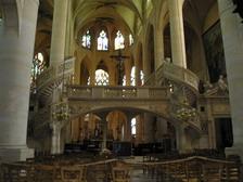 В парижском соборе